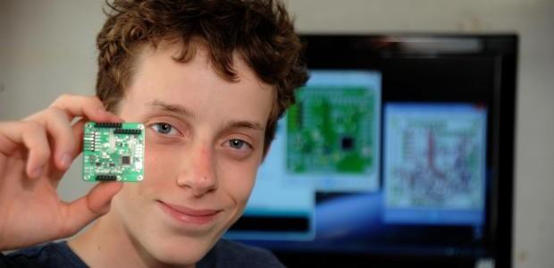 寫程式14歲少年打造出人造衛星